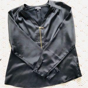 Zippered v-neck black blouse